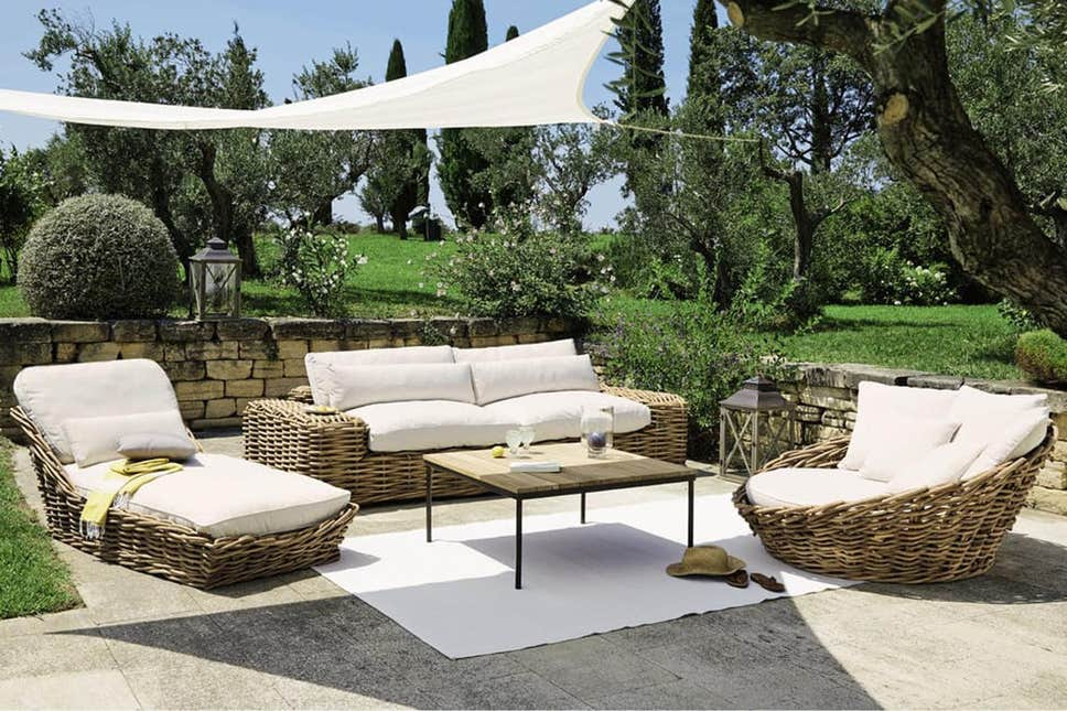 Wooden Garden Furniture - A Stylish and Smart Way of Decorating