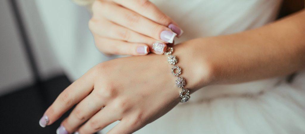 Engraved The Benefitsof Custom Made Jewellery